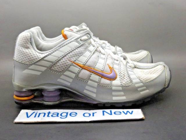 meilleur site web 829ec de495 Girls' Nike Shox Turbo Oh White Silver Purple Gold Runn...