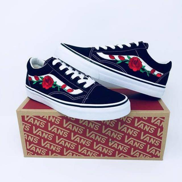b6b1571783 Women s Black White old school Vans Rose embroidered