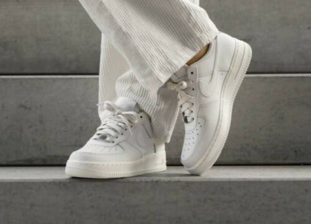 Nike Air Force 1 07 Ess White Size 6 7 8 9 Womens Shoes Ao2132 003