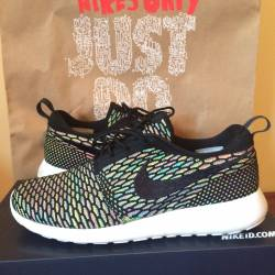 Nike flyknit roshe run multi c...