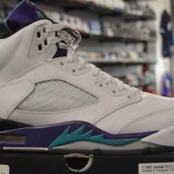 Jordan 5 size 9.5 pre owned grape