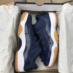 Air jordan 11 low - navy gum
