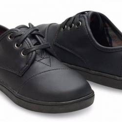 Toms youth paseo black on blac...