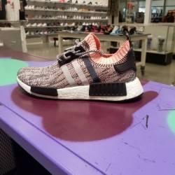 Adidas nmd r1 primeknit glitch...