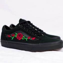 Black vans old skool rose patc...