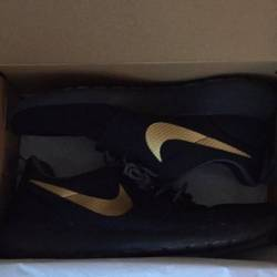 Nike roshe one triple black