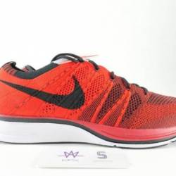 Nike flyknit trainer universit...