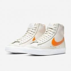 Nike blazer mid '77 light bone...